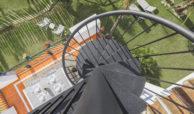 paraiso pueblo benahavis new golden mile marbella estepona vernieuwde penthouse te koop resort concierge zee golf draaitrap
