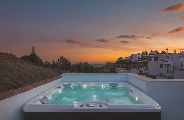 paraiso pueblo benahavis new golden mile marbella estepona vernieuwde penthouse te koop resort concierge zee golf kust