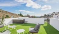 paraiso pueblo benahavis new golden mile marbella estepona vernieuwde penthouse te koop resort concierge zee golf solarium