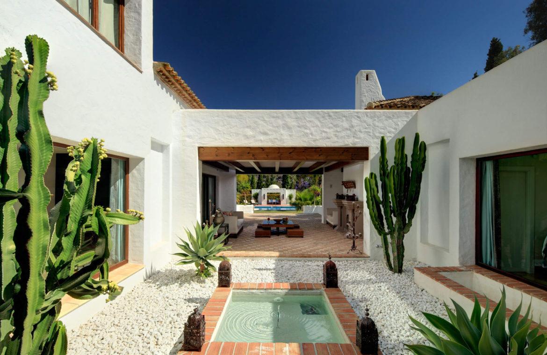 rio verde marbella villa te koop wandelafstand puerto banus prijsdaling koopje patio