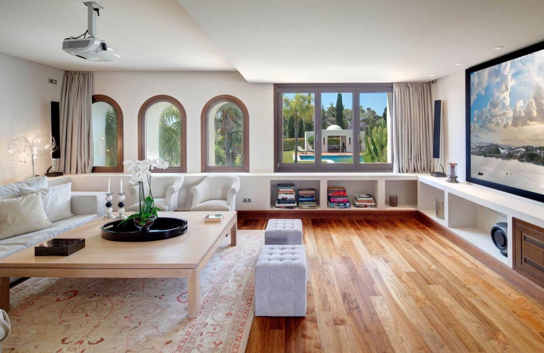 rio verde marbella villa te koop wandelafstand puerto banus prijsdaling koopje salon