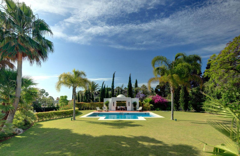 rio verde marbella villa te koop wandelafstand puerto banus prijsdaling koopje tuin