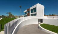 villa imare new golden mile estepona costa del sol spanje eerstelijns zee strand nieuwbouw villa garage