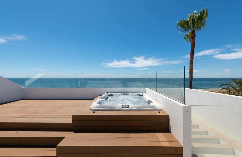 villa imare new golden mile estepona costa del sol spanje eerstelijns zee strand nieuwbouw villa grondplan jacuzzi