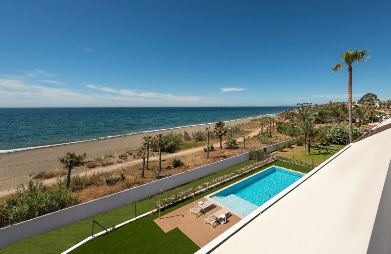 villa imare new golden mile estepona costa del sol spanje eerstelijns zee strand nieuwbouw villa grondplan ligging