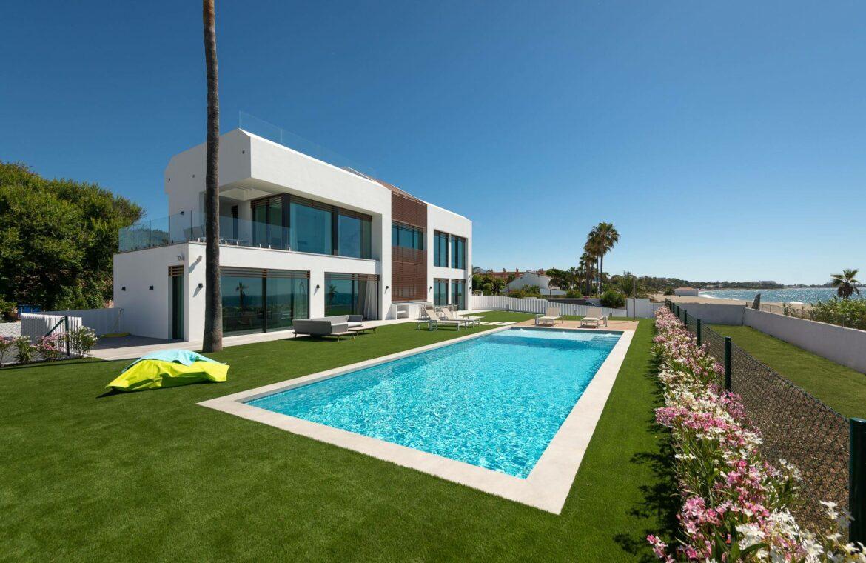 villa imare new golden mile estepona costa del sol spanje eerstelijns zee strand nieuwbouw villa grondplan zwembad