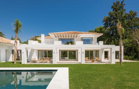 Casa Chequers: tijdloze estate door architect Villaroel in El Paraiso