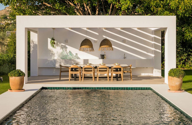 casa chequers el paraiso estate villaroel modern klassiek villa costa del sol spanje buitenkeuken