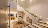 casa chequers el paraiso estate villaroel modern klassiek villa costa del sol spanje hall
