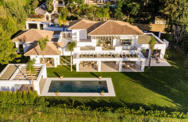 casa chequers el paraiso estate villaroel modern klassiek villa costa del sol spanje luchtfoto