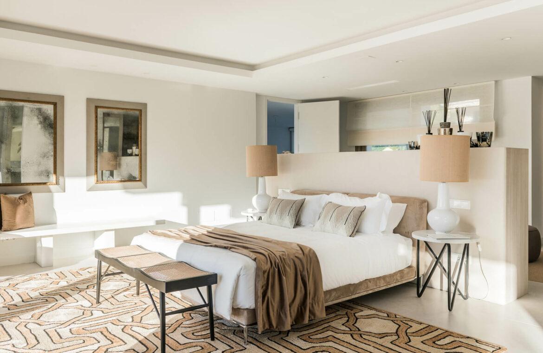 casa chequers el paraiso estate villaroel modern klassiek villa costa del sol spanje meubilair