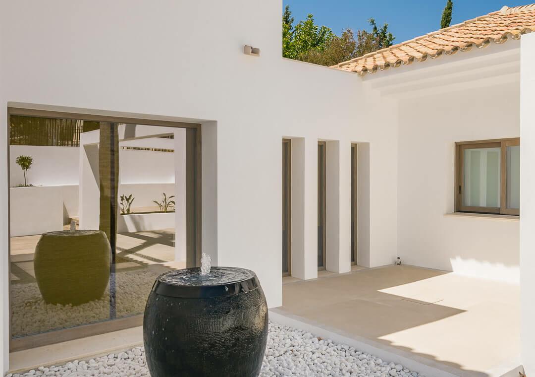 casa chequers el paraiso estate villaroel modern klassiek villa costa del sol spanje modern