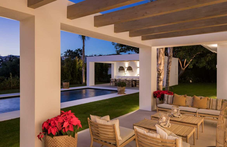 casa chequers el paraiso estate villaroel modern klassiek villa costa del sol spanje terras