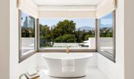 casa chequers el paraiso estate villaroel modern klassiek villa costa del sol spanje vrijstaand bad