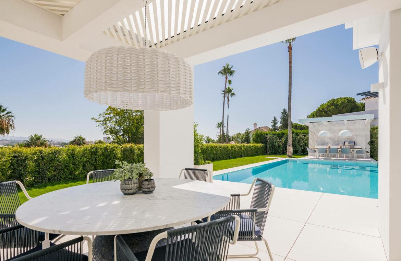 casa liceo nueva andalucia marbella costa del sol golf spanje villa overdekt terras