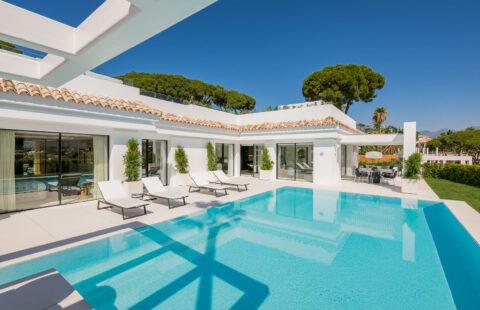 Casa Liceo: design villa met spectaculaire zichten in Nueva Andalucia