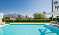 casa liceo nueva andalucia marbella costa del sol golf spanje villa zwembad