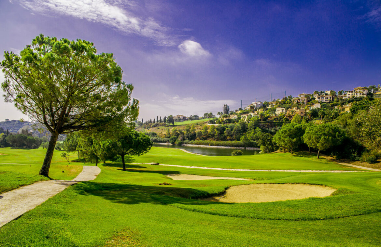 the crest nieuwbouw appartement te koop la quinta nueva andalucia golfvallei benahavis marbella costa del sol spanje golf