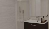 the crest nieuwbouw appartement te koop la quinta nueva andalucia golfvallei benahavis marbella costa del sol spanje zeezicht toilet