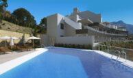 the crest nieuwbouw appartement te koop la quinta nueva andalucia golfvallei benahavis marbella costa del sol spanje zeezicht zwembad