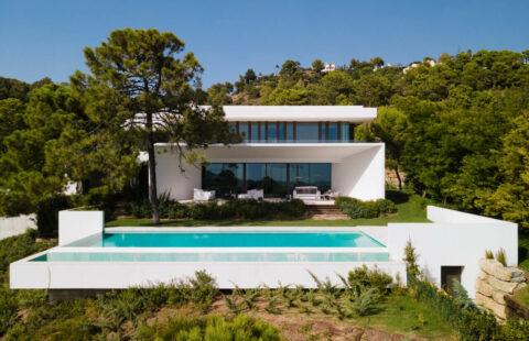 El Bosque: moderne luxe villa met zeezicht in La Reserva de Alcuzcuz