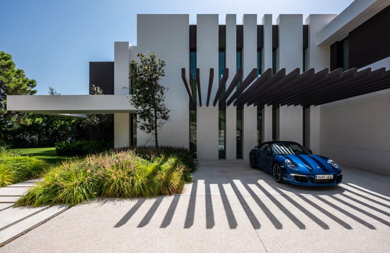 el bosque reserva alcuzcuz benahavis vamoz marbella costa del sol spanje nieuwbouw villa zeezicht te koop 8 parkeerplaats