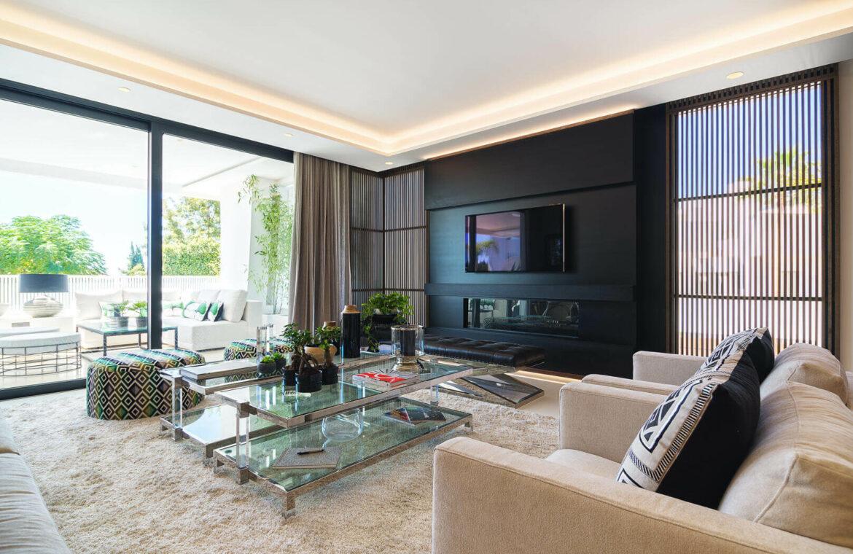 epic vamoz marbella golden mile costa del sol spanje appartement penthouse kopen luxe exclusief zeezicht living