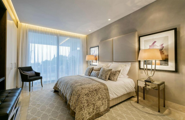 epic vamoz marbella golden mile costa del sol spanje appartement penthouse kopen luxe exclusief zeezicht slaapkamer